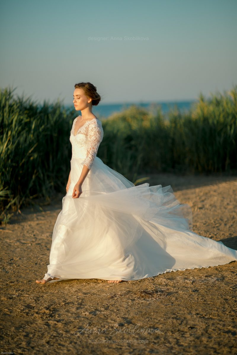 Long train wedding dress by Anna Skoblikova