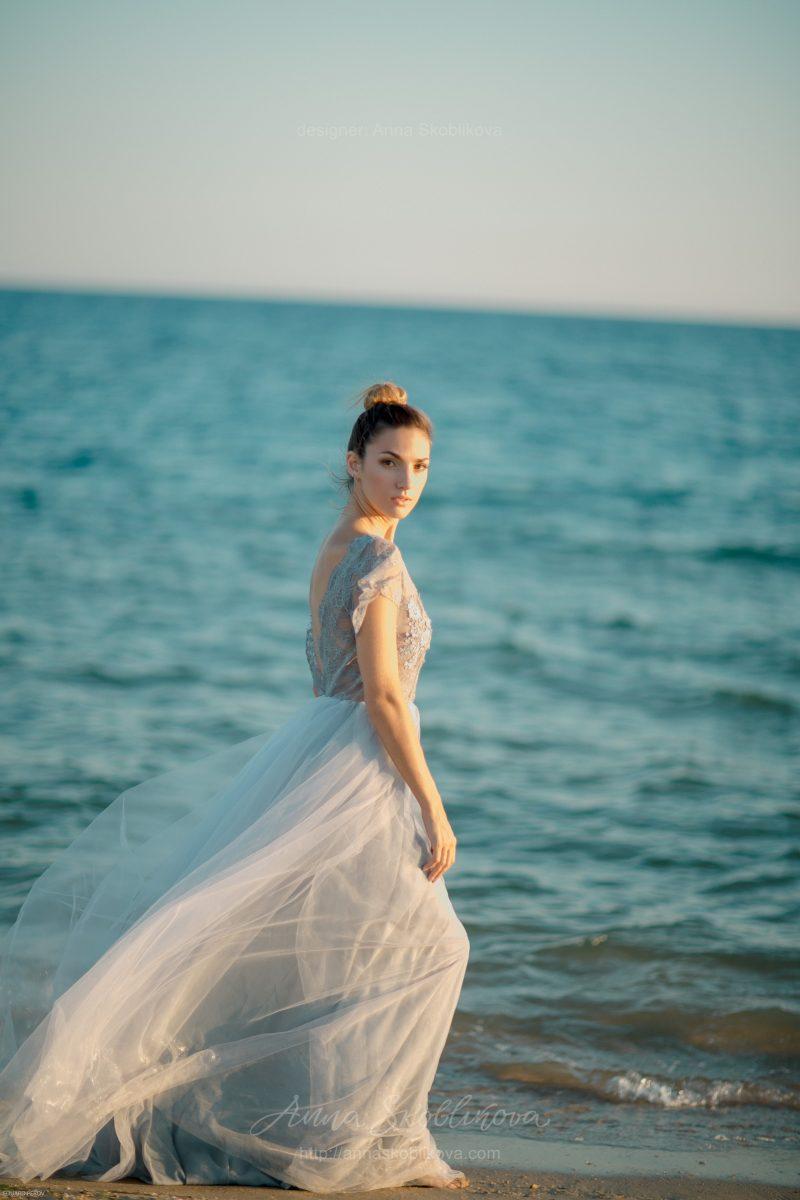 Свадебное платье серого цвета от Anna Skoblikova