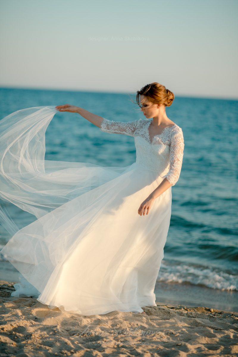 Long train wedding dress by Anna Skoblikova