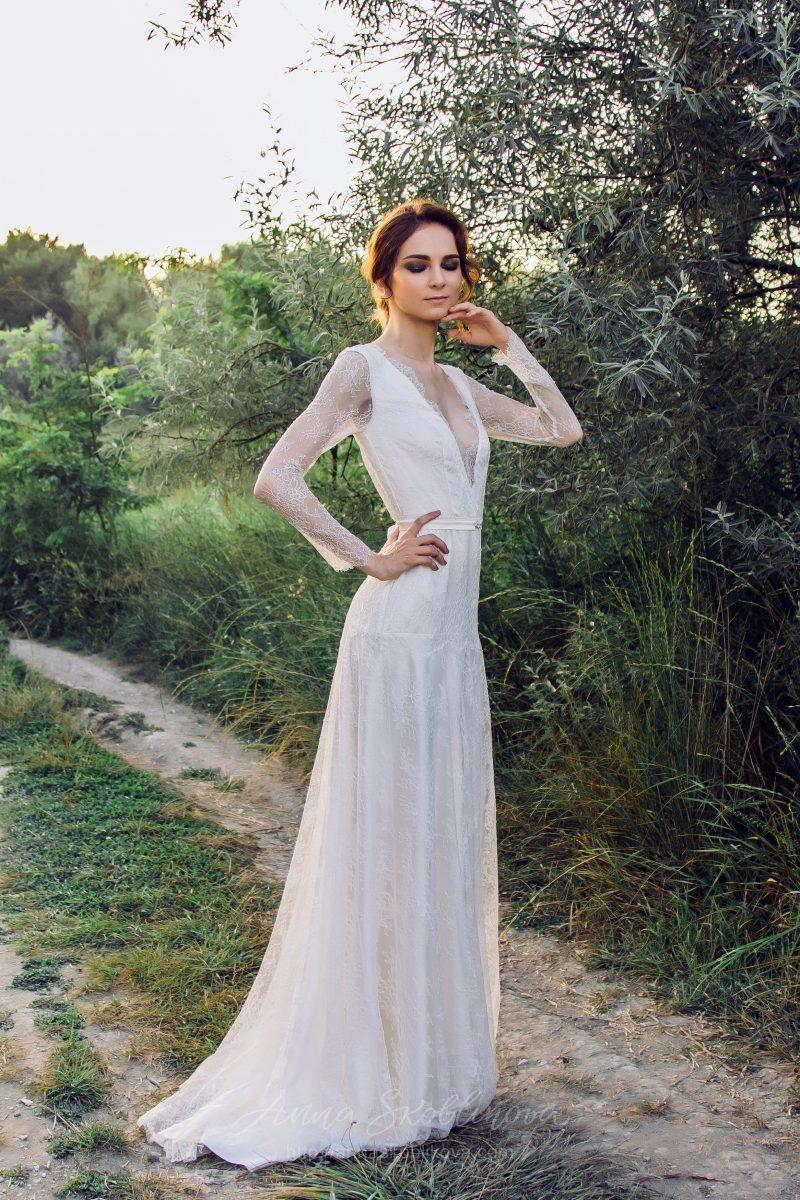 Ivory lace Wedding dress by Anna Skoblikova