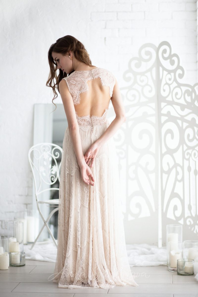 Wedding Dress Of Trapeze Silhouette