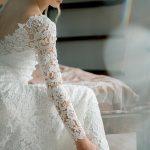 Свадебное платье с V-образным вырезом от Anna Skoblikova