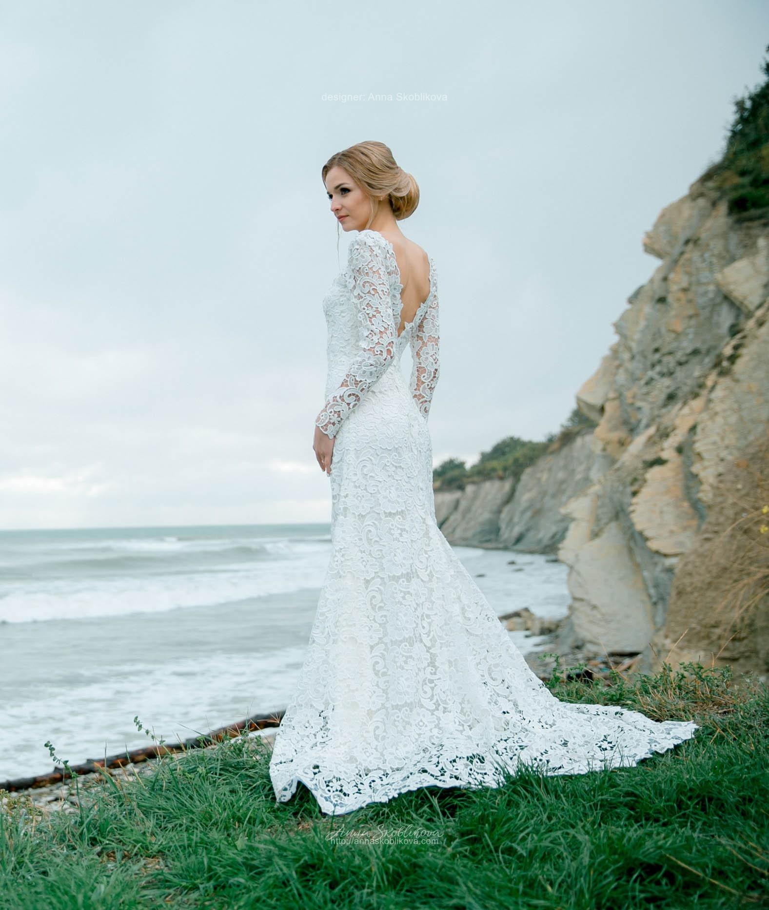 Wedding dress with V back cut   Anna Skoblikova - Wedding Dresses ...