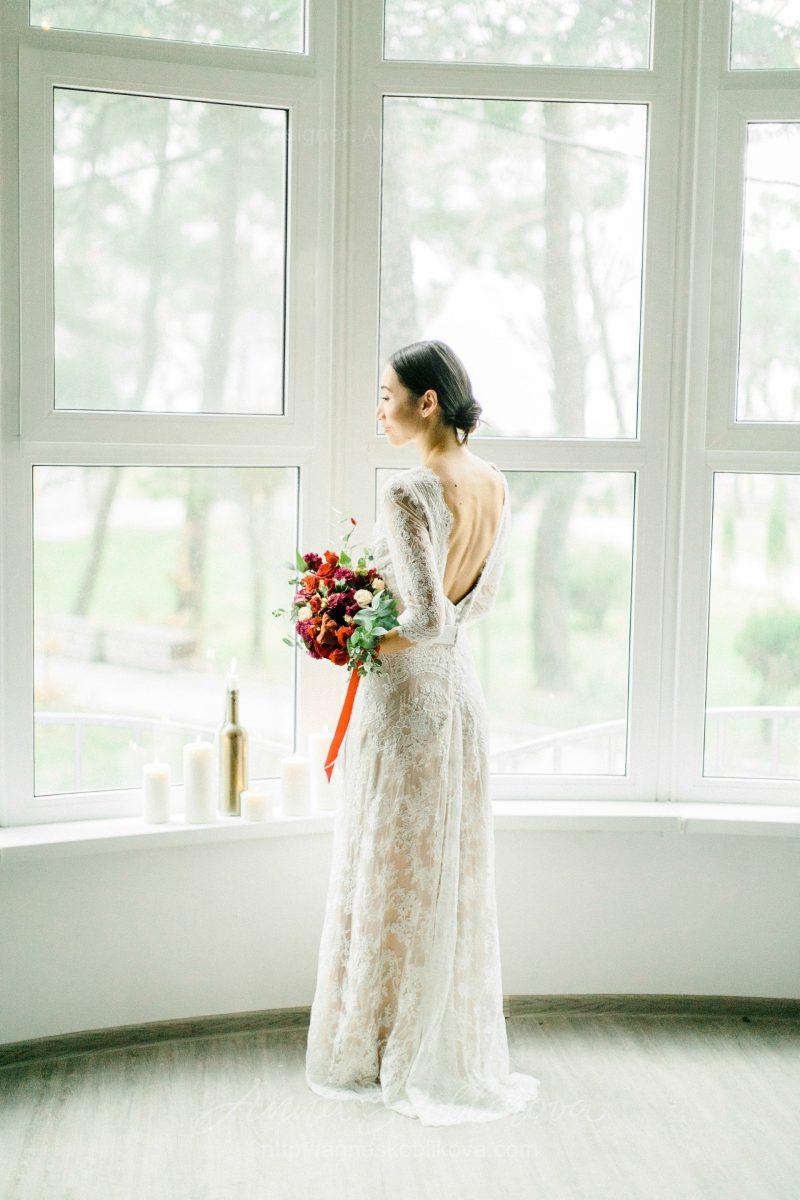 White lace wedding dress // Anna Skoblikova // 0105av