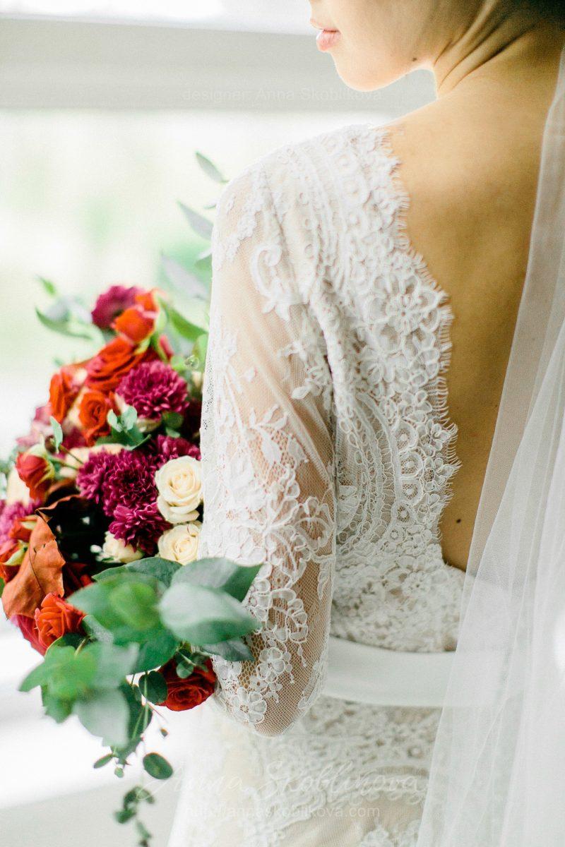 White lace wedding dress // Anna Skoblikova // 0105 // Photo 8