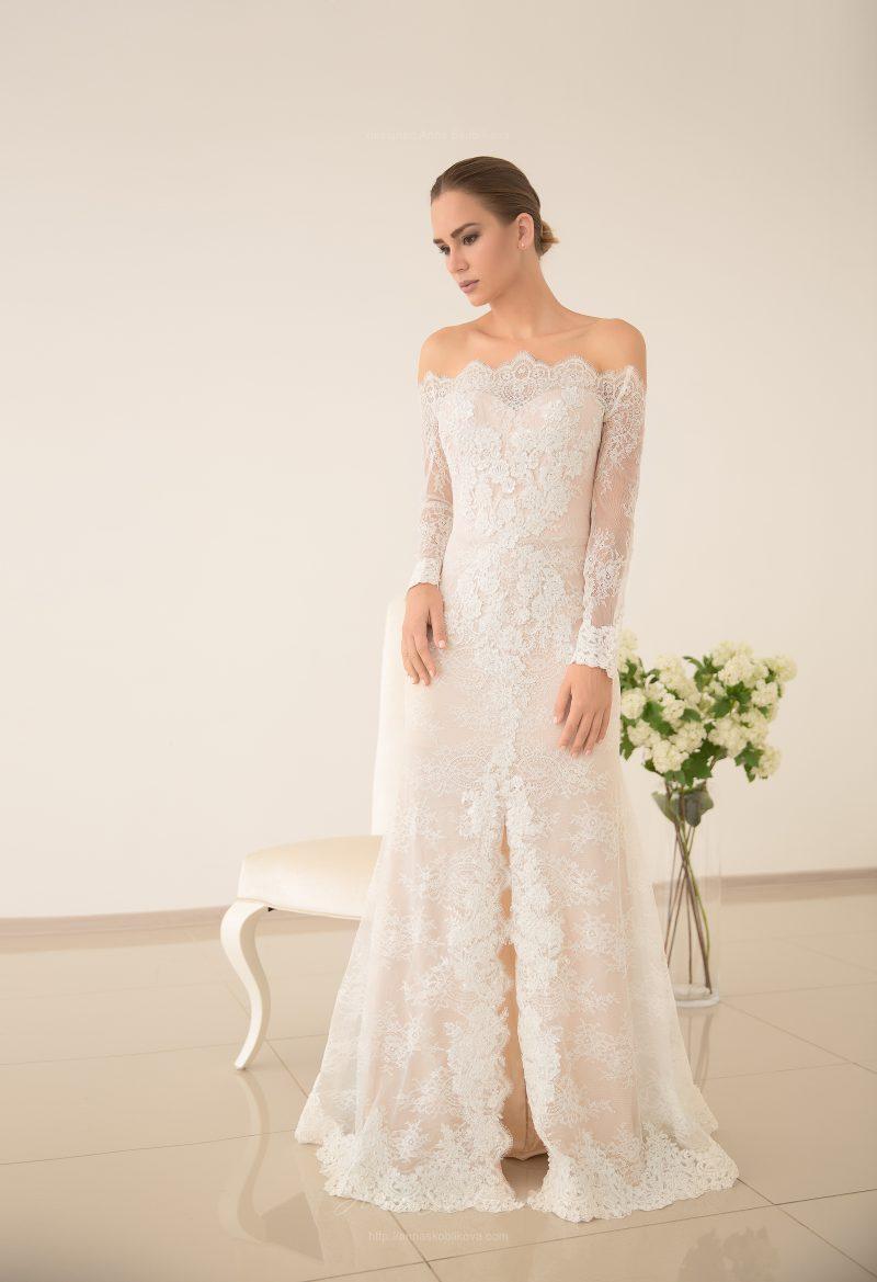 Свадебное платье из кружева и шелка от Anna Skoblikova
