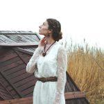 Свадебное короткое кружевное платье от Anna Skoblikova