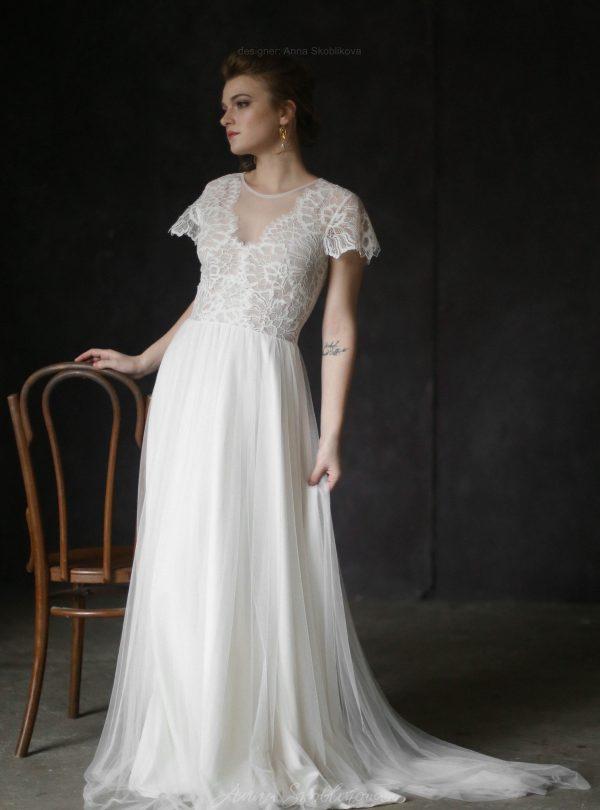 423f11b762e Lace classic wedding dress ...