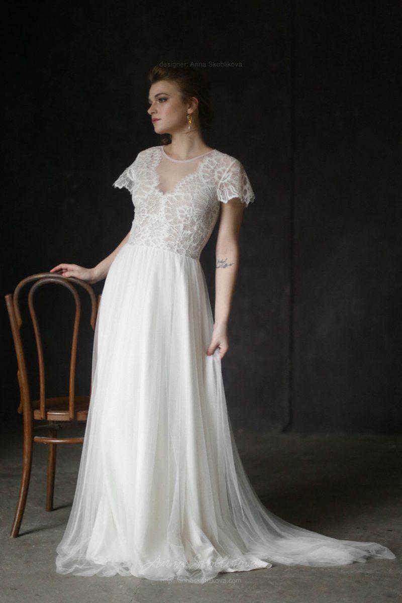 Классическое свадебное платье из кружева и итальянской сетки от Anna Skoblikova