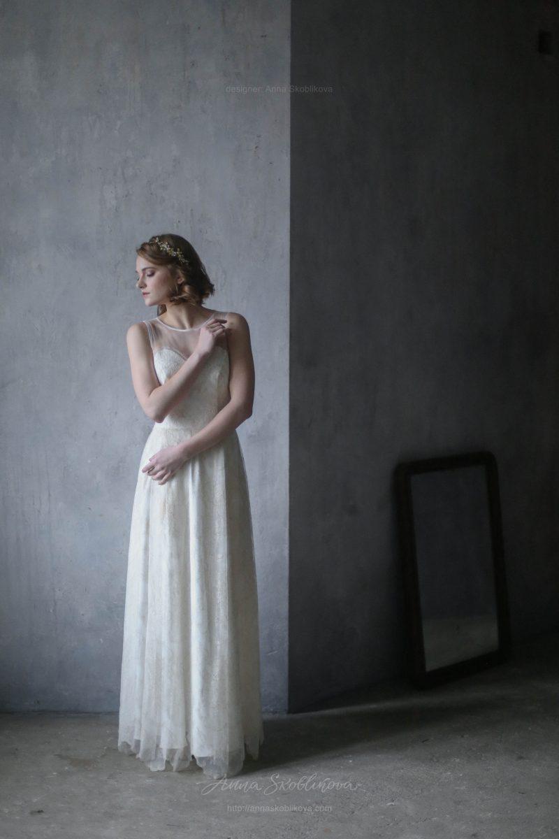 Свадебное платье из молочного кружева с золотой нитью от Anna Skoblikova