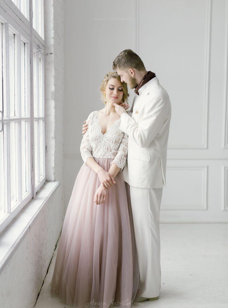 Свадебное платье с юбкой и кружевным лифом от Anna Skoblikova