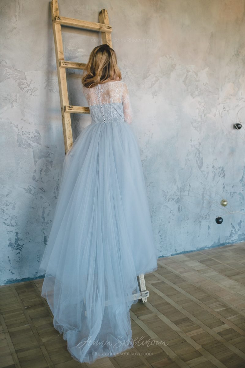 Blue wedding dress from Chantilly lace by Anna Skoblikova