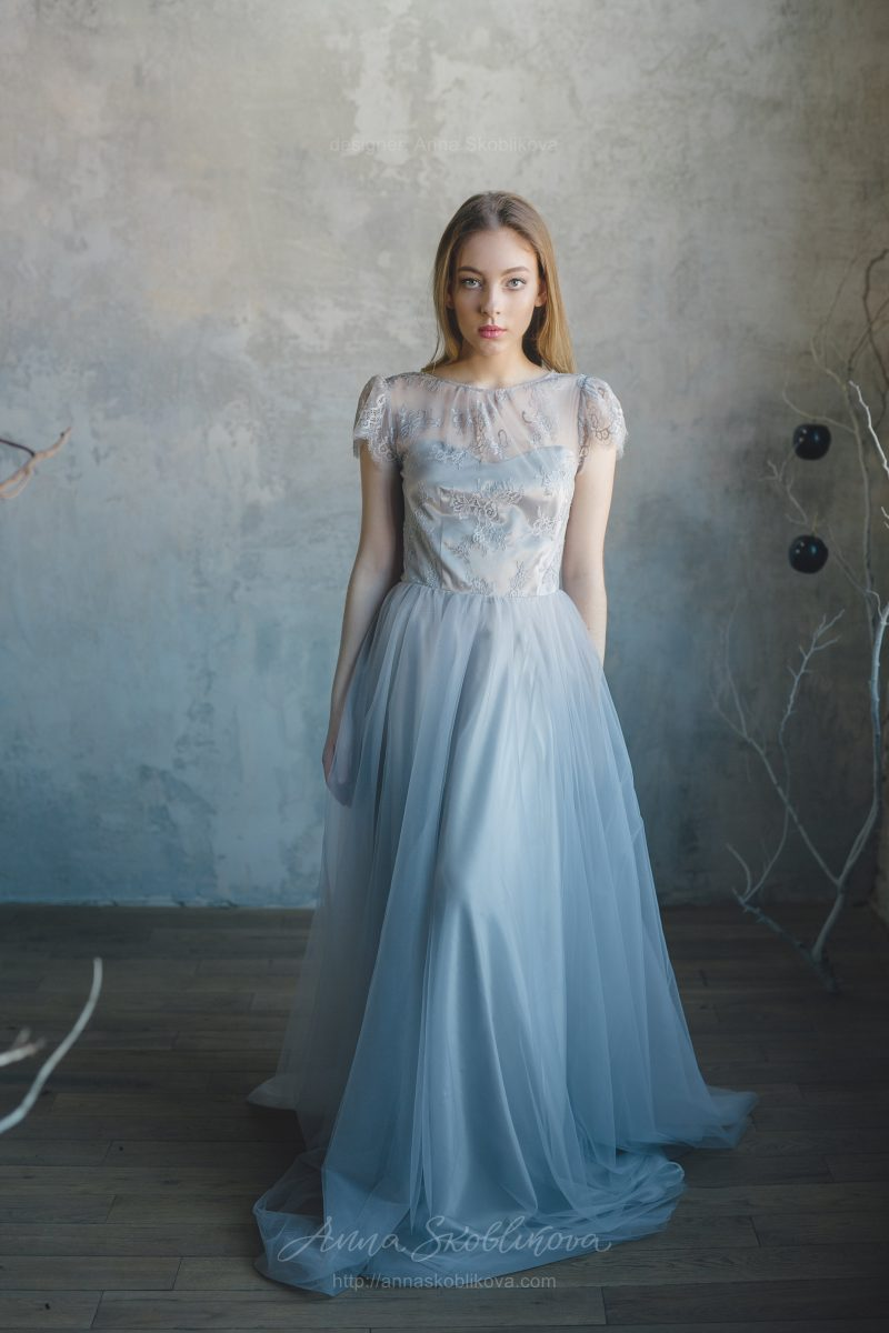 Grey wedding dress with fine lace waist by Anna Skoblikova