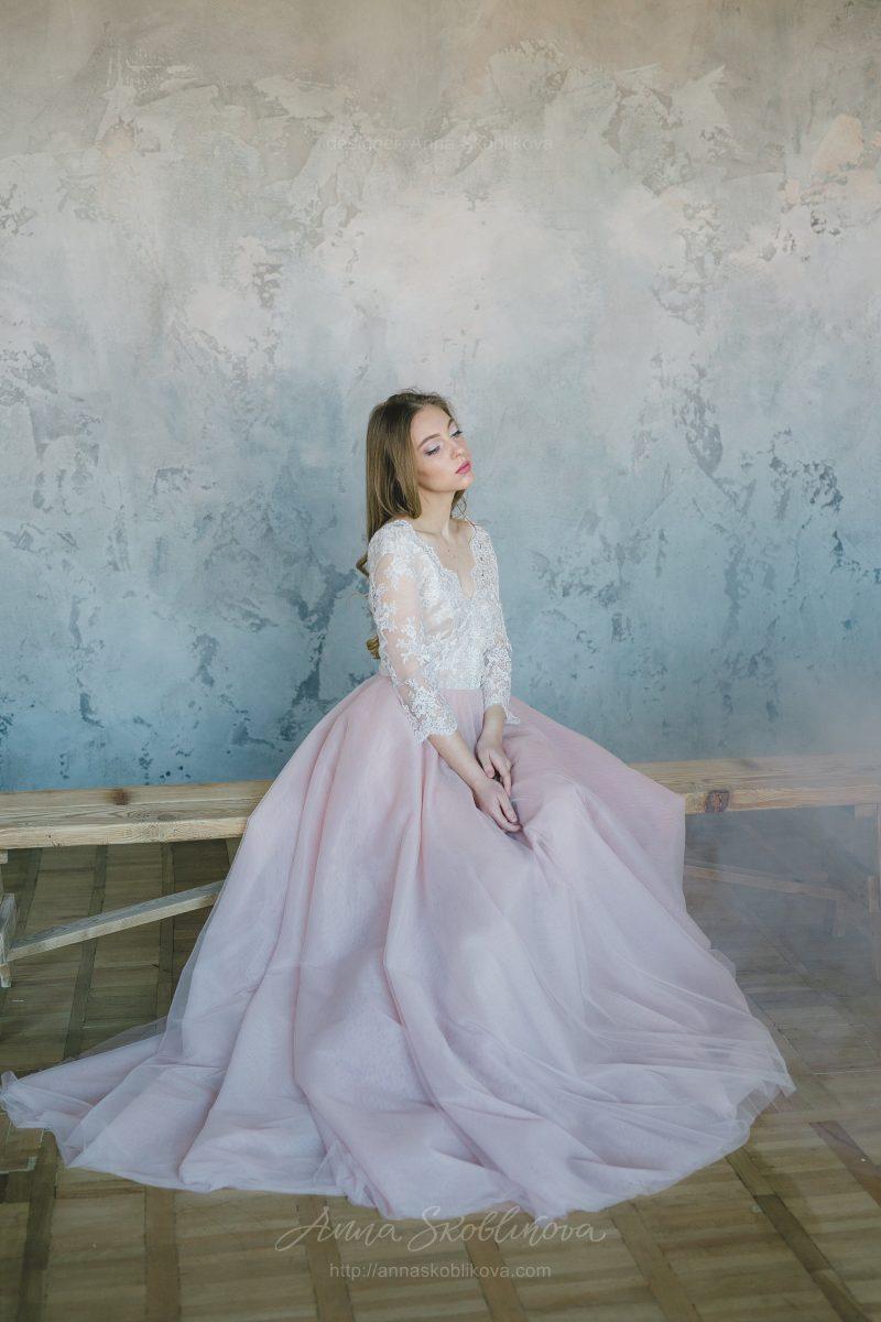 Свадебное платье из пудрового фатина от Anna Skoblikova
