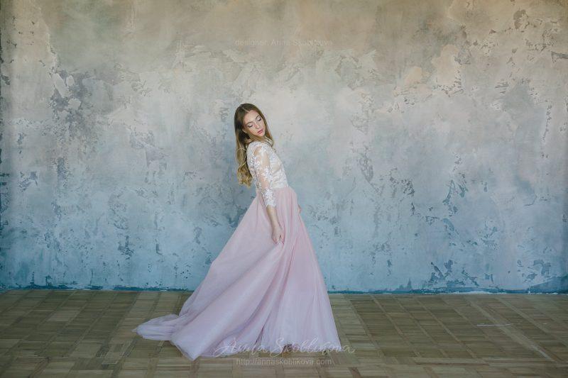Pink wedding dress with milk lace by Anna Skoblikova