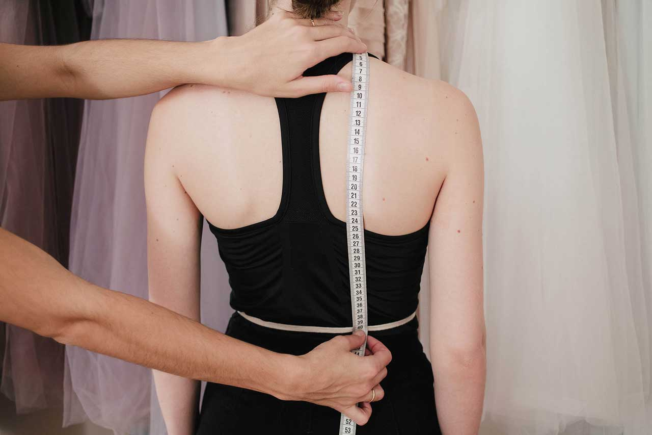 Back shoulder-to-waist - It is measured from neck base until the waist, parallel to spine, just across the shoulder blade. Anna Skoblikova