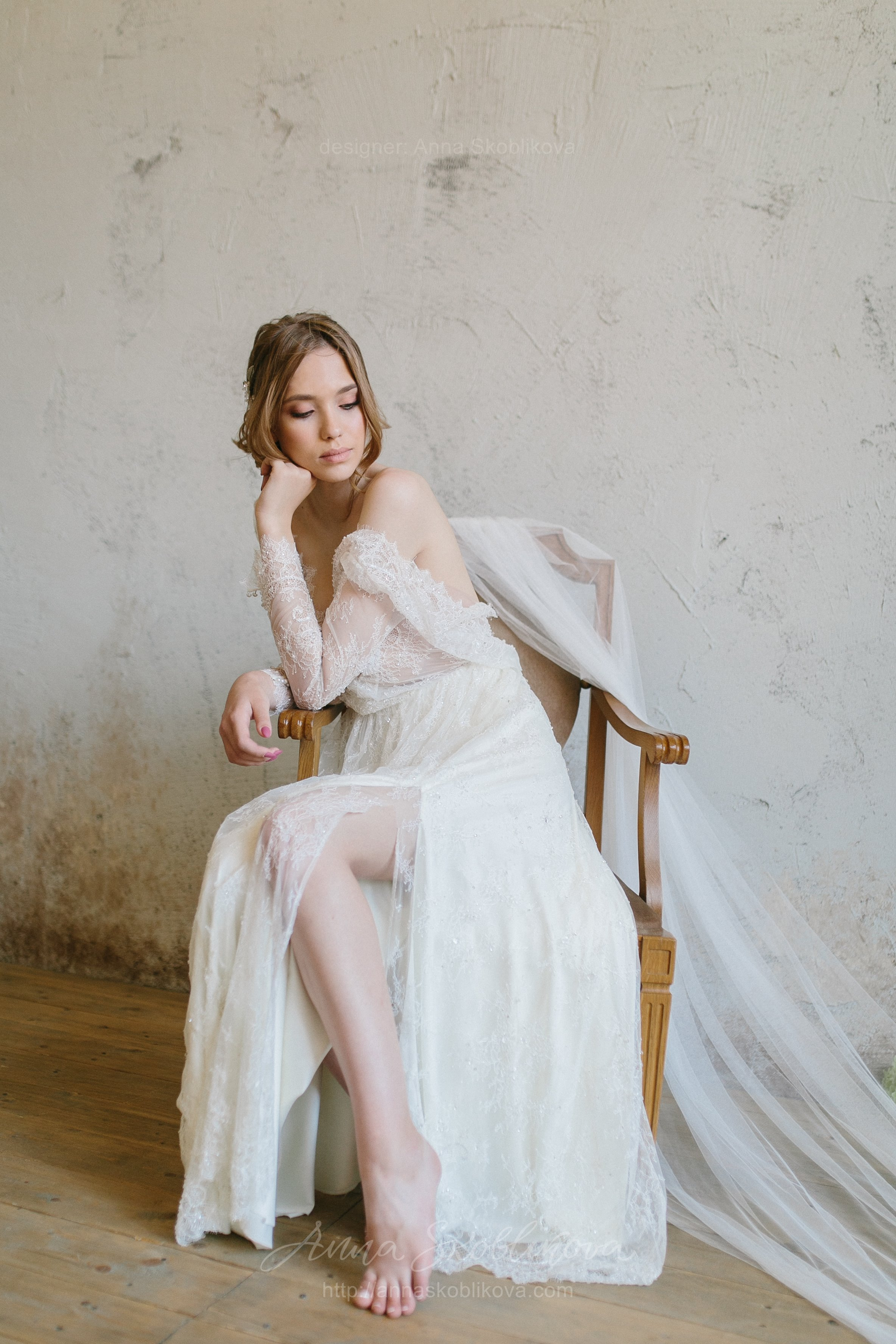 Wedding dress - Aimee - Shining like a morning dew crystals make a ...