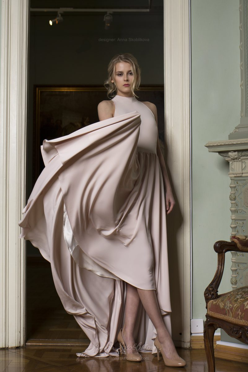 Yunona - An unusual design idea applied in a skirt makes a simple dress spectacular and feminine - Anna Skoblikova