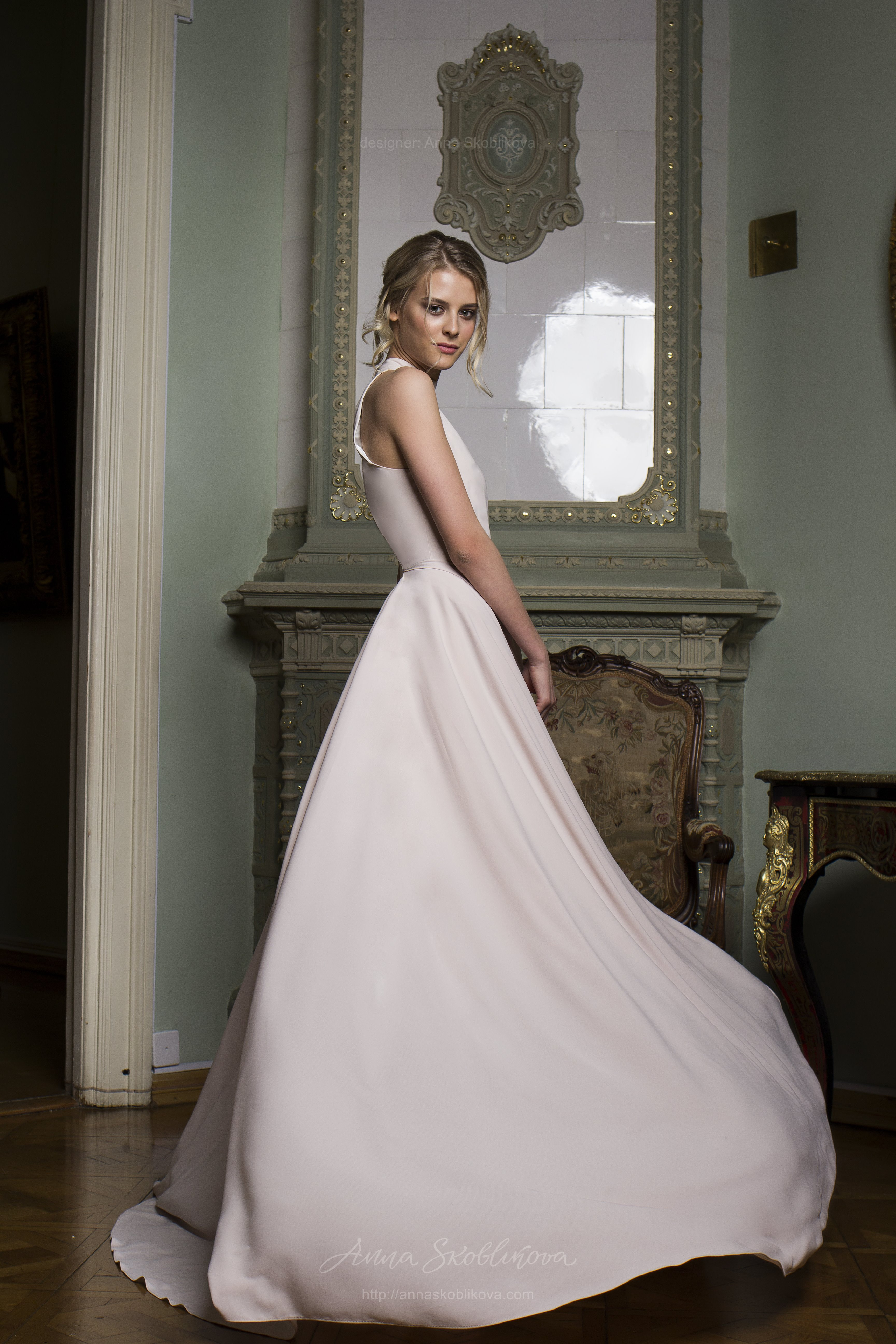 Yunona An Unusual Design Idea Applied In A High Low Wedding Dress
