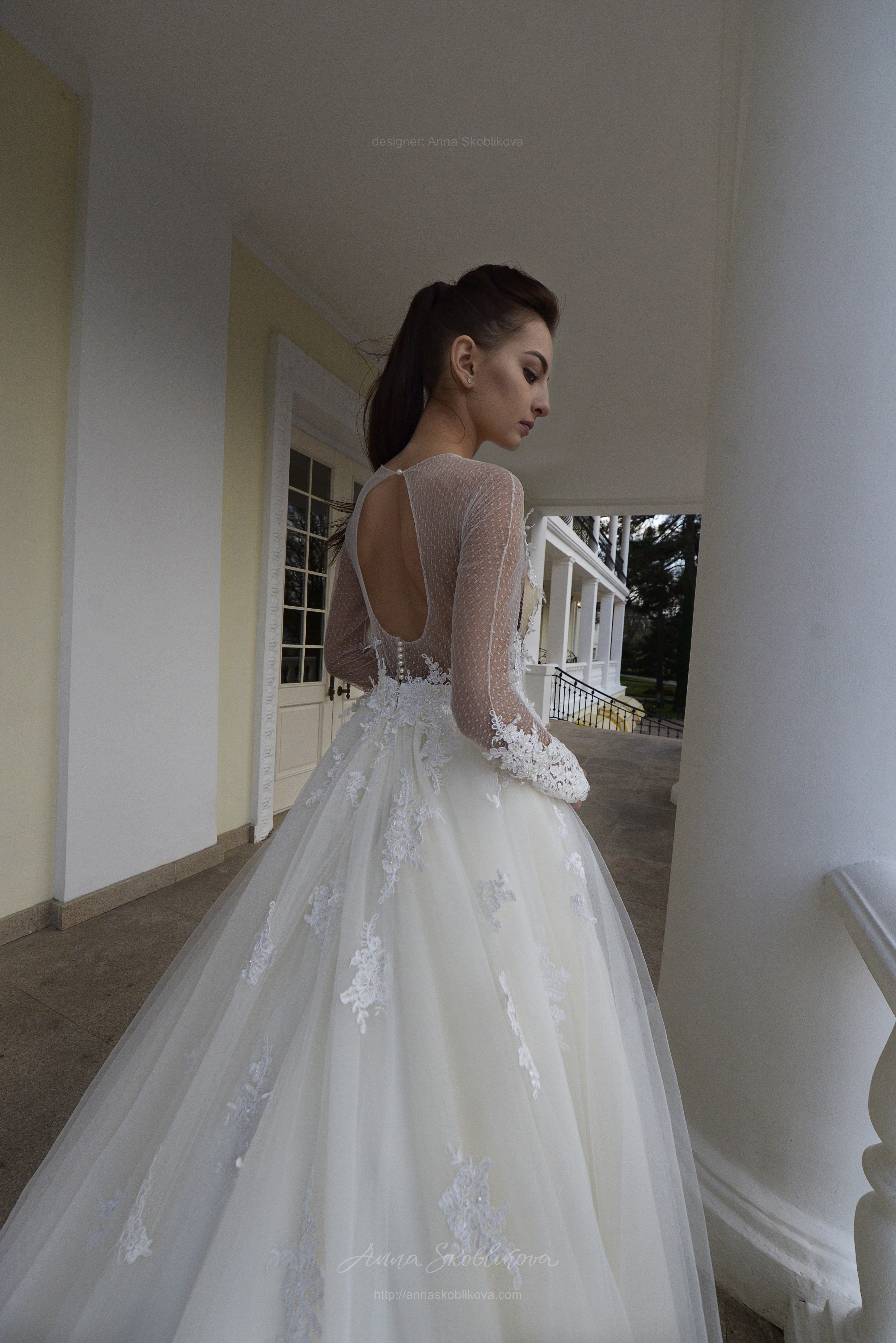 Angelina - This stunning wedding dress features the unique Haute ...
