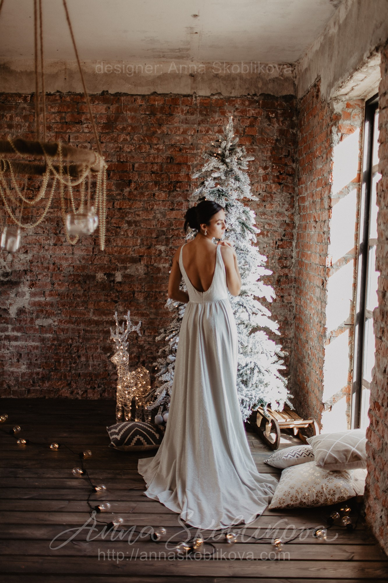 Sylvie - This shimmering chic jersey wedding dress is so shiny and luxurious \\ Anna Skoblikova