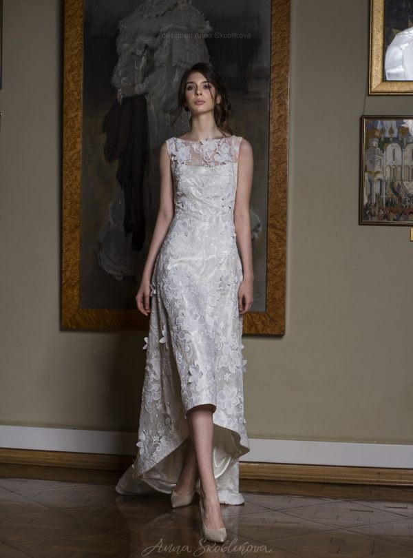 Kamilla – Limited edition textured lace wedding dress