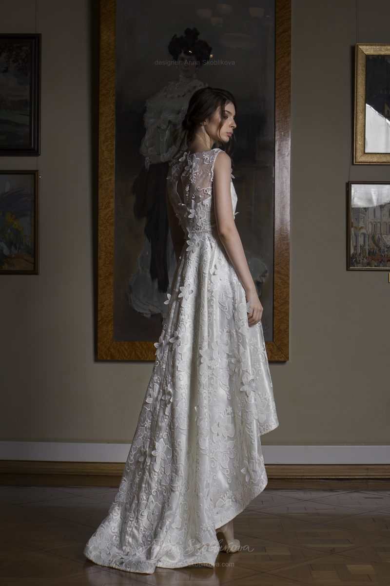 Kamilla - Limited edition textured lace wedding dress - Anna Skoblikova