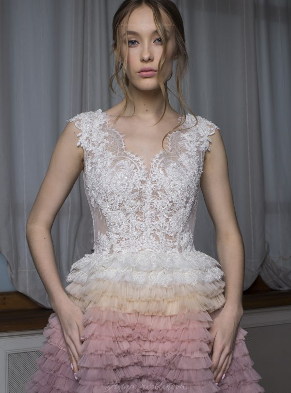 Valentina – Stunning wedding dress features the ombre hand-maid skirt beautifully embellished with Spain lace