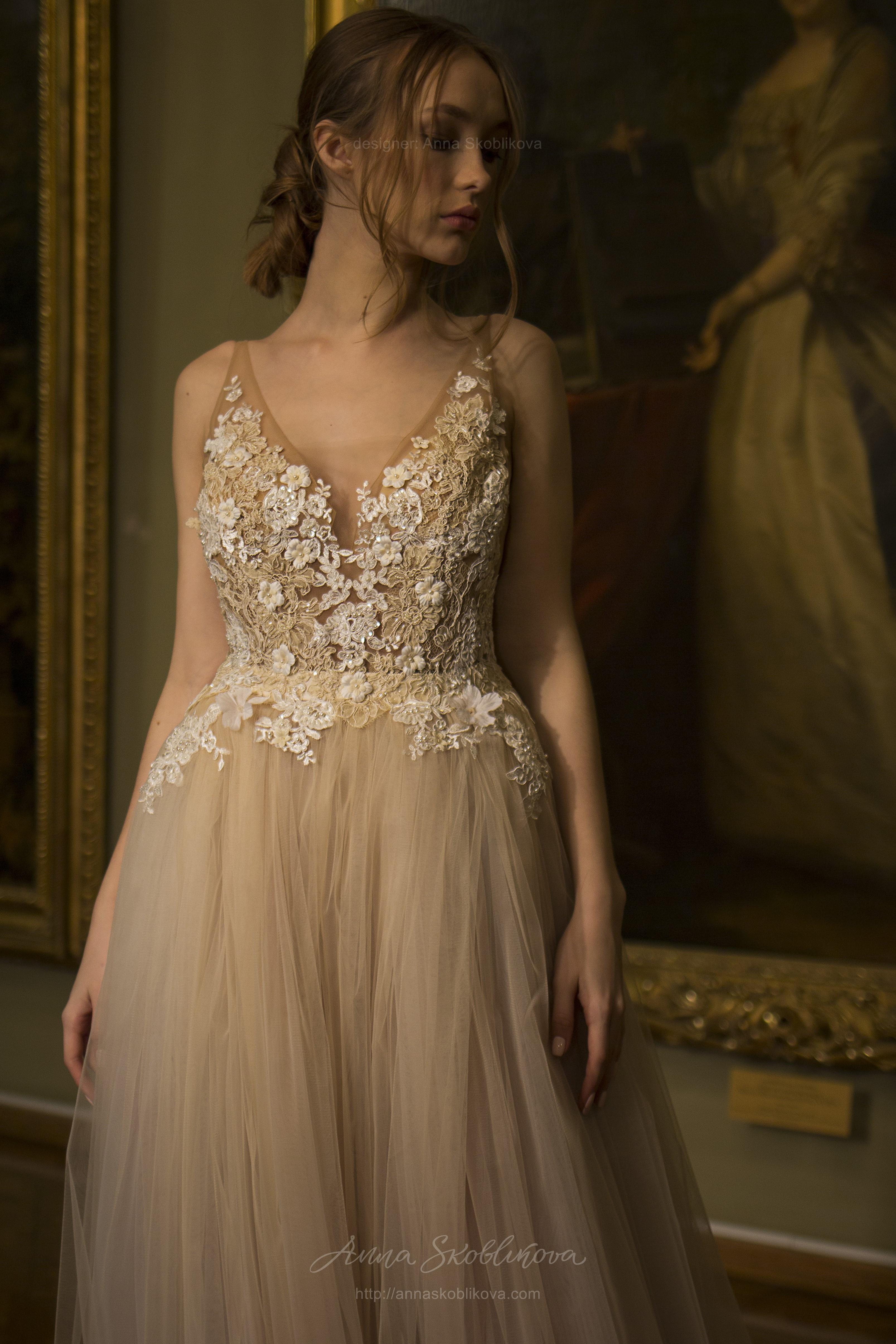 3a8444b9f5f Daniella - Уникально лёгкое свадебное платье украшает авторская вышивка  испанским кружевом Anna Skoblikova