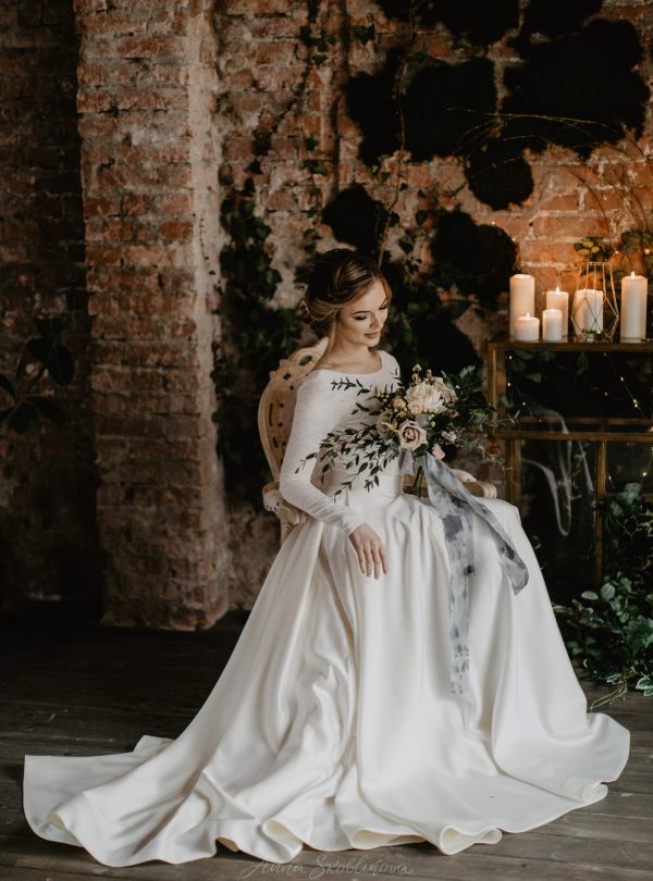 Pearl – Stunning author`s texture wedding dress