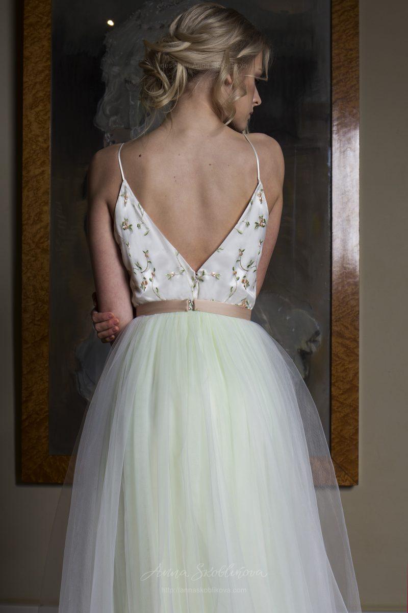 Фото 3: Свадебное платье нежного светло-зеленого оттенка со топом
