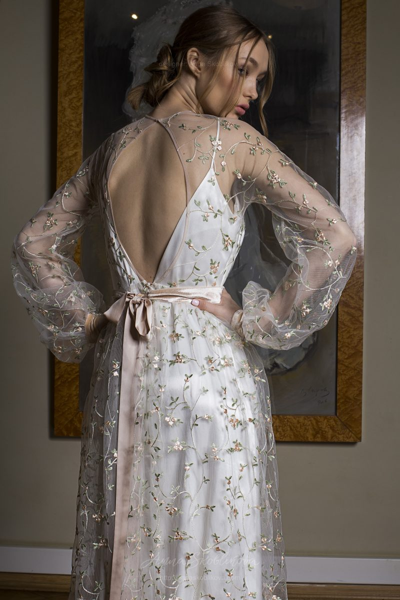 Photo 2: Elegant two layered wedding dress + floral embroidered detailing \\ Anna Skoblikova