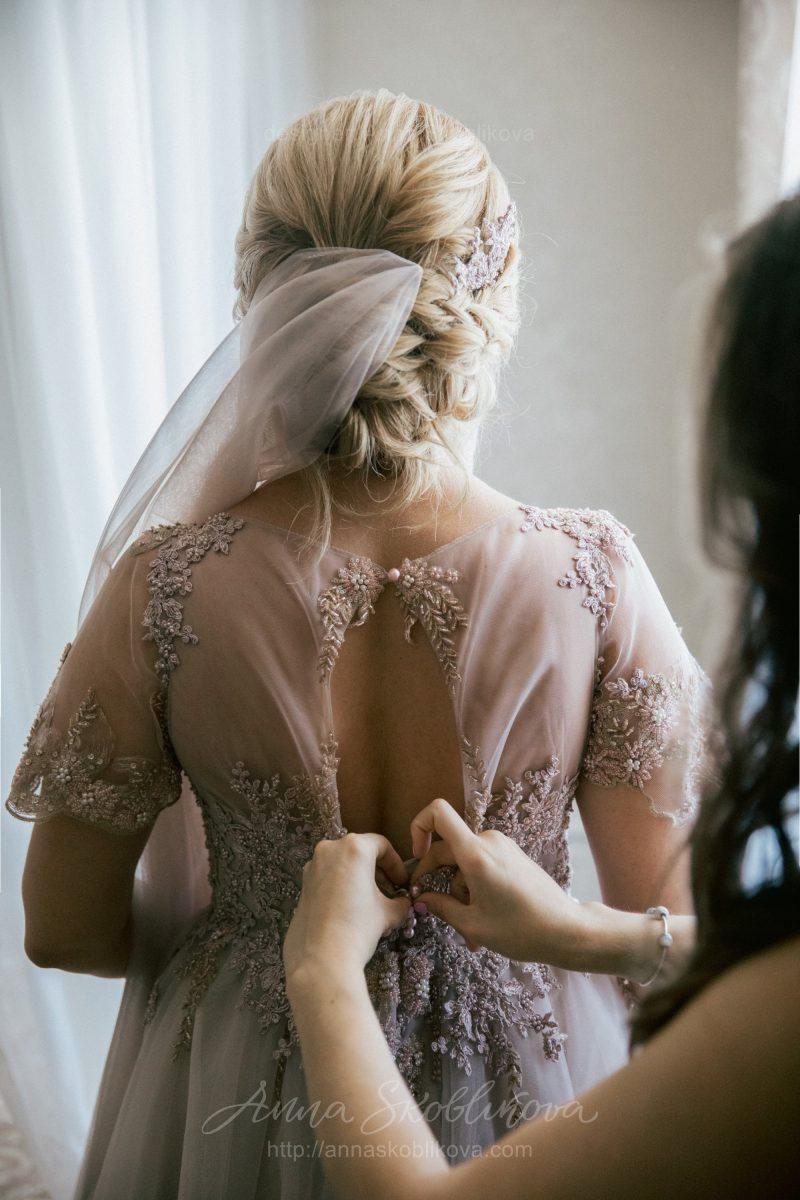 Свадебное платье с ручной вышивкой