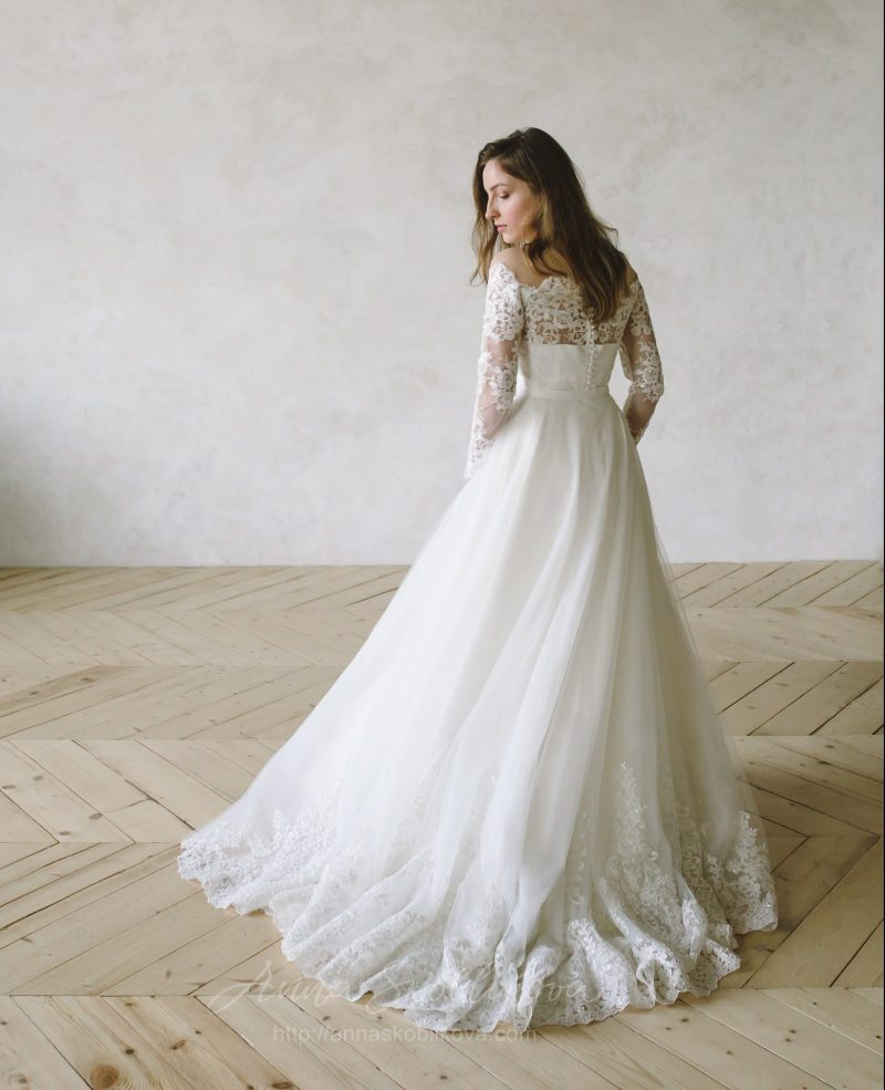 Lace Wedding Dress - Anna Skoblikova