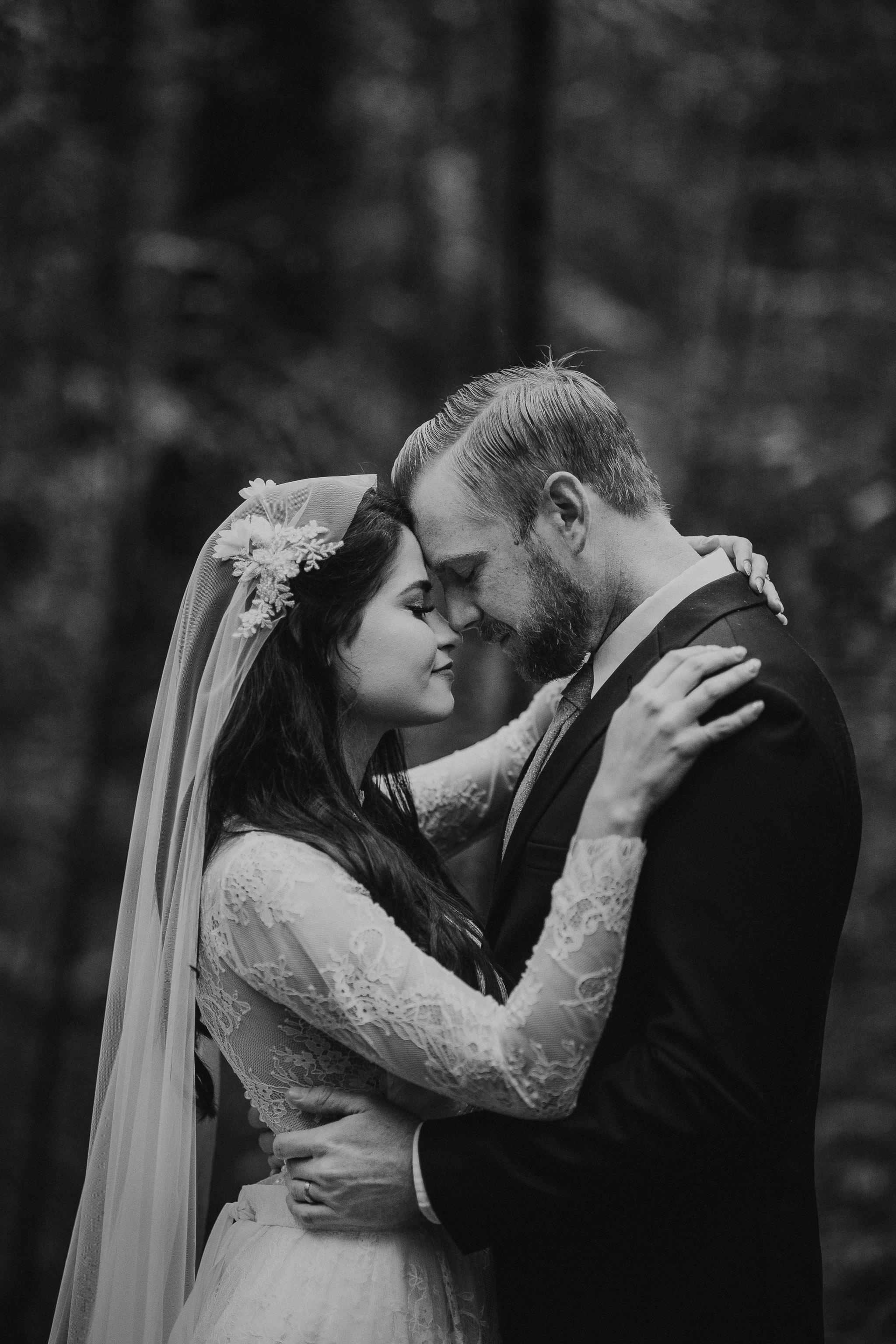 Classic long sleeves wedding dress - Anna Skoblikova