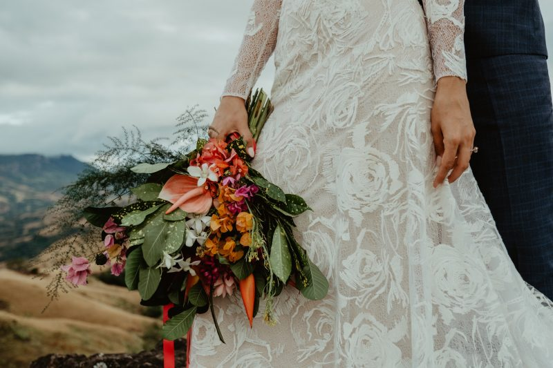 Фото 5: Свадебное платье с фактурой из роз созданной вручную - MEDEA