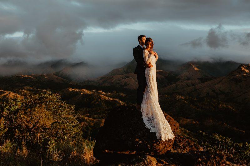 Фото 9: Свадебное платье с фактурой из роз созданной вручную - MEDEA