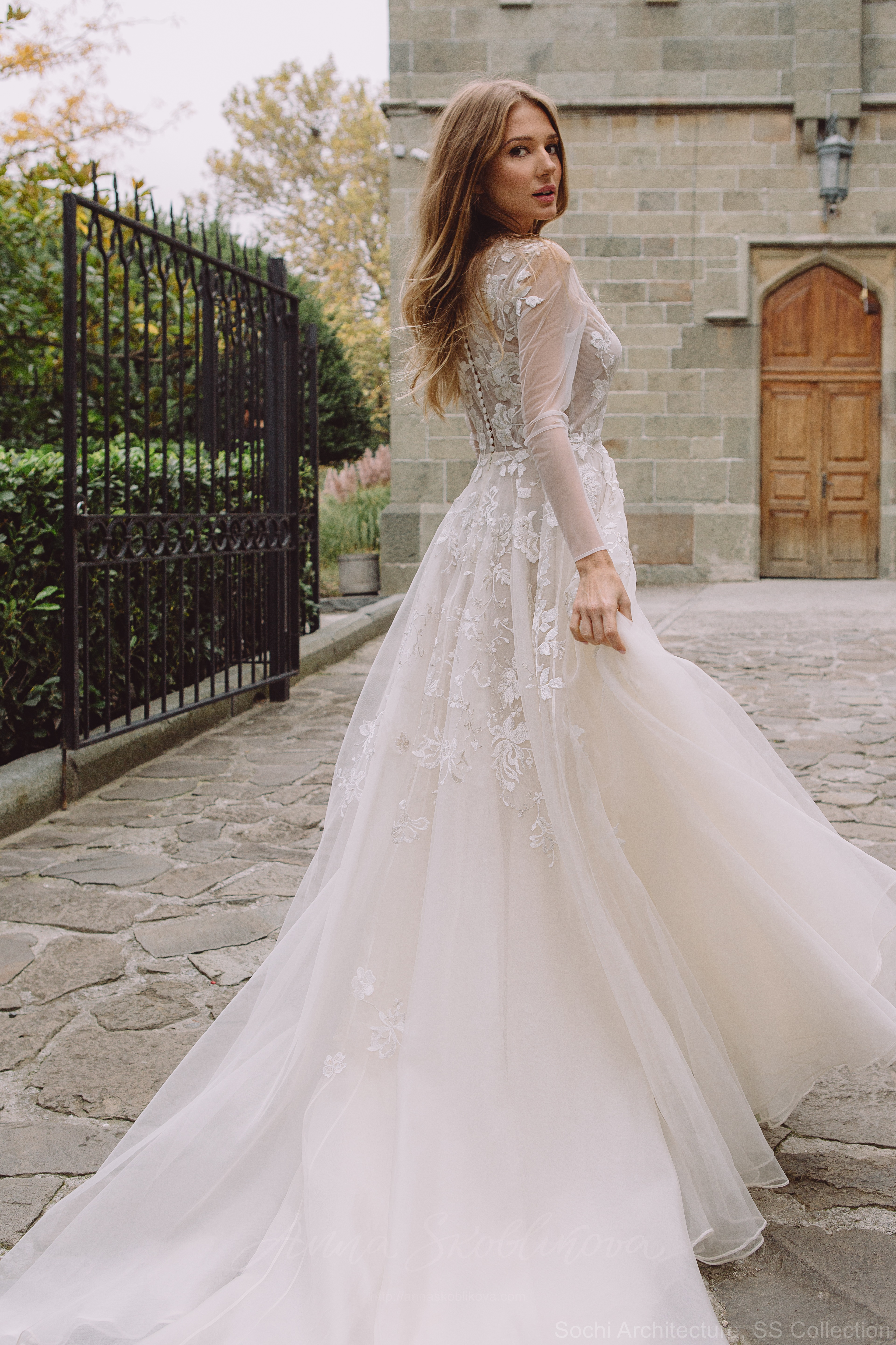 Royal wedding dress - Chloris by Anna Skoblikova