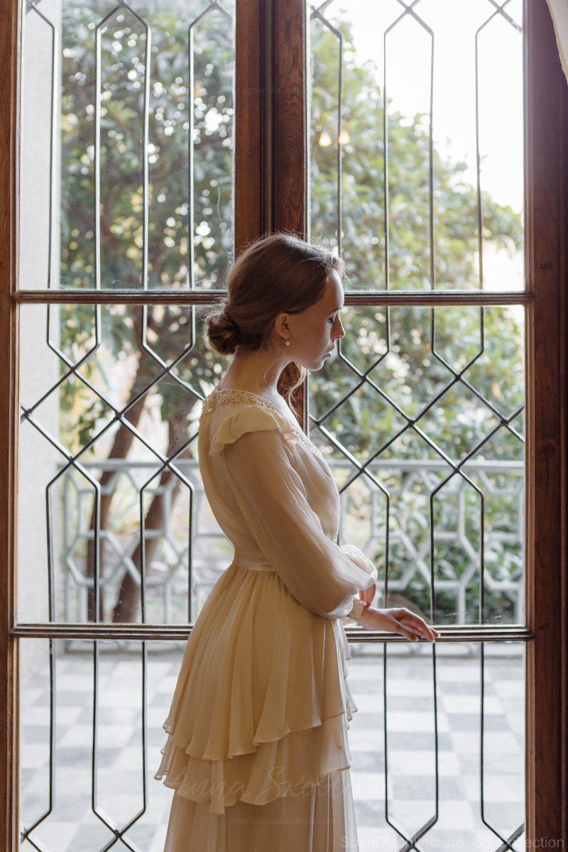 Backyard wedding dress in silk – Bojhenа : Photo 3 : Anna Skoblikova