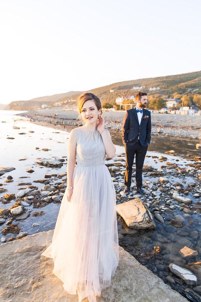 Practical wedding dress in smoky gray color/ Anna Skoblikova/ Photo 1